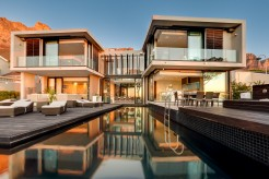 6 bed villa in Camps Bay